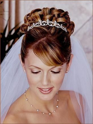 coiffure mariage diademe chignon - Maquillage mariage